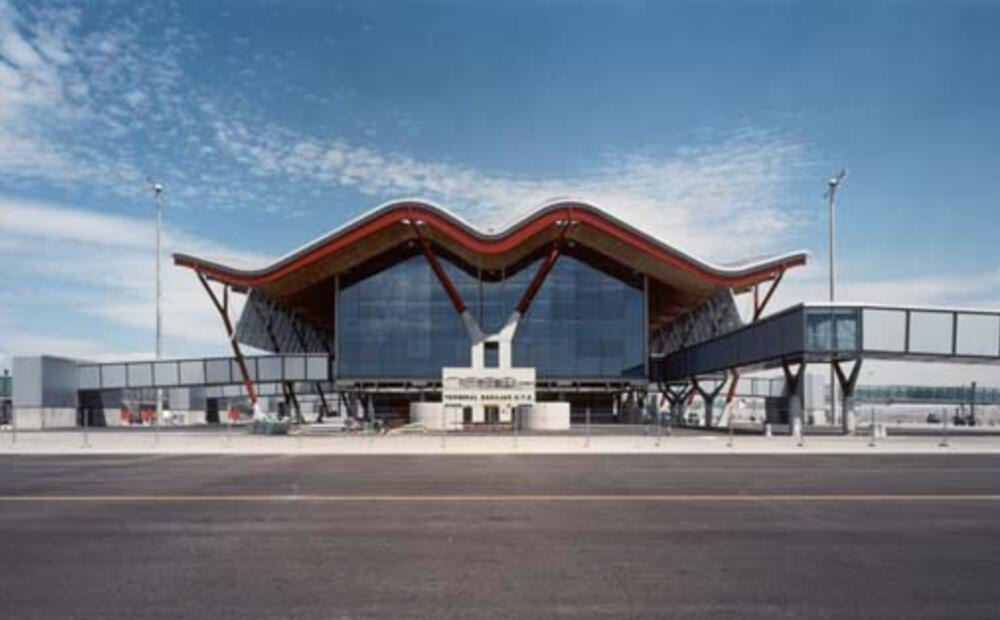 Terminal 4 Madrid Barajas Airport Undulating Roofscape