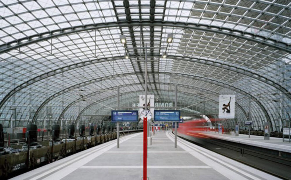 Histar 174 Steel Columns Support Berlin Central Station