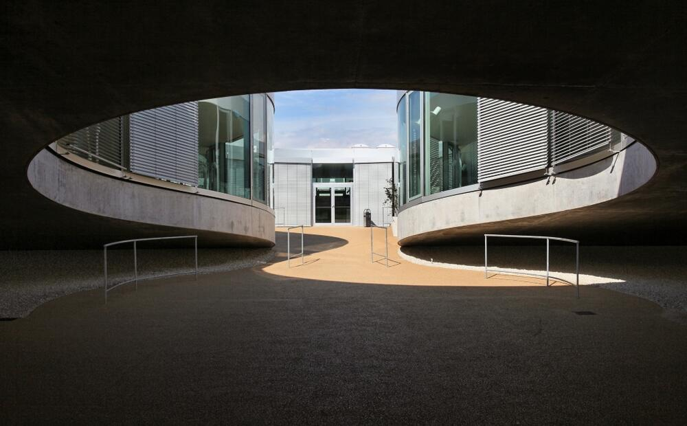 Rolex Learning Center Innovative Roof Shape With